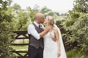 nat + rob // cotswolds barn wedding